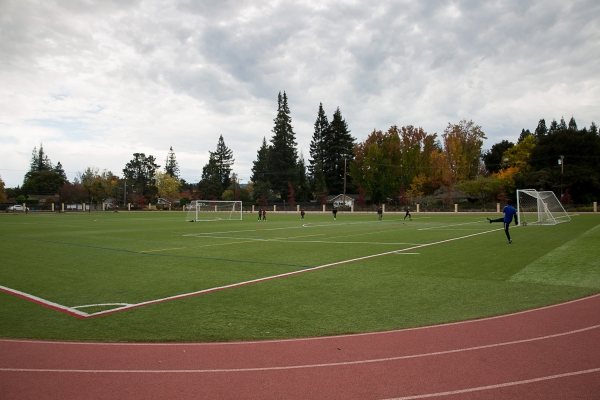 Consultants Say Menlo Park School S Playing Field Is Safe